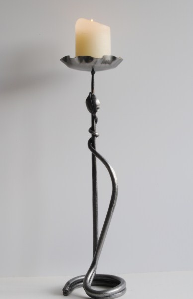 Belltrees Forge candlestick Double Round with Leaf