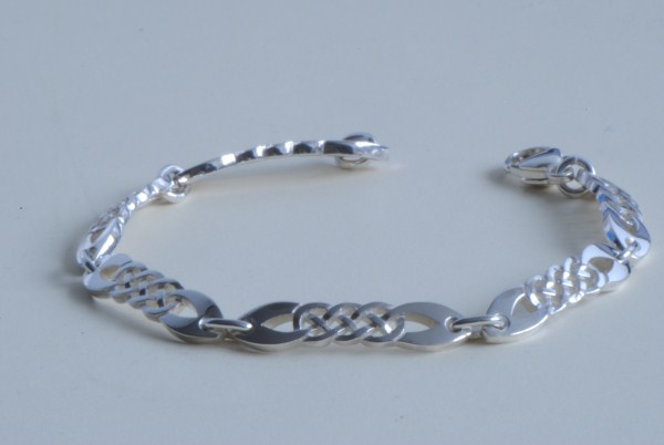 Celtic Jewellery Knot Bracelet C66
